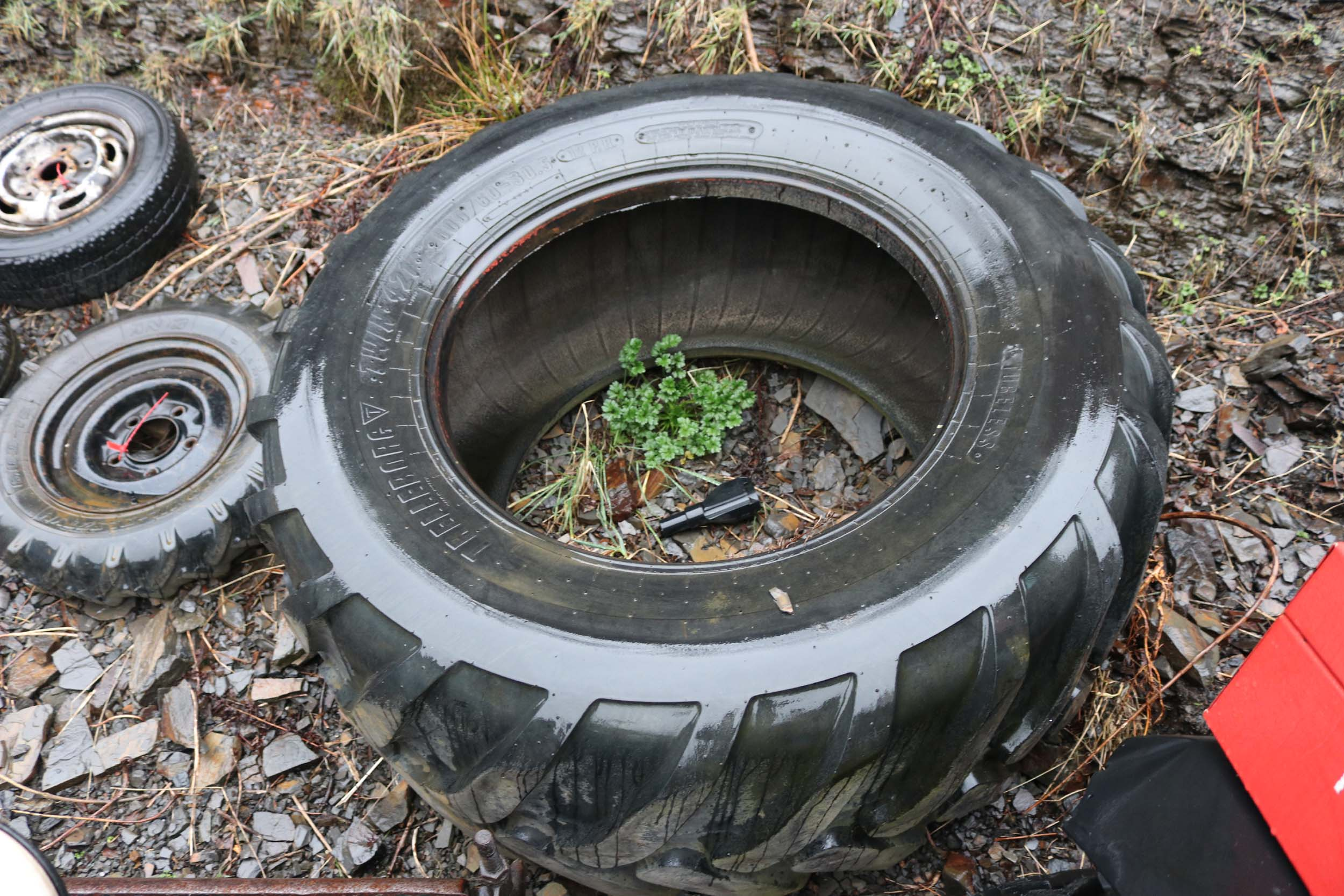 Click to view details about 1XTRELLEBOUG TWIN 421 600/60-30.5 TYRE